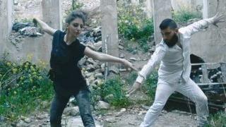 Niezwykły taniec Rity nagruzach Aleppo [WIDEO]