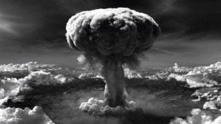 Dyplomata papieski ostrzega przedbronią atomową