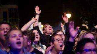 Tysiące młodych zJezusem wcentrum miasta