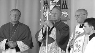 Trwają przygotowania dopogrzebu bp. Kazimierza Ryczana