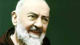 Ojciec Pio. Człowiek, którystał się modlitwą