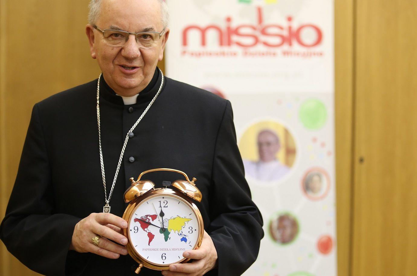 Abp Budzik apeluje opomoc misjom