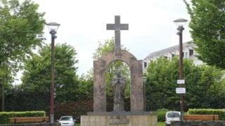 Francuski pomnik Jana Pawła II zostanie sprzedany Kościołowi?
