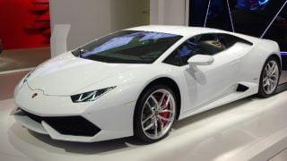 """Pieniądze za""""papieskie"""" Lamborghini dla chrześcijan wIraku"""