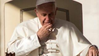 Papież: odczuwam ból iwstyd potym, co się wydarzyło