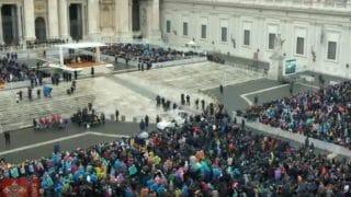 Dziś papieska katecheza oCredo imodlitwie powszechnej
