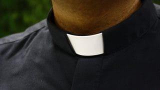 Egipt: zabójca księdza skazany nakarę śmierci