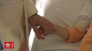 Papież wśród dzieci chorych naraka