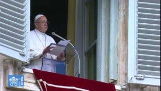 Franciszek: Krzyż nie jest dodatkiem doodzieży