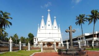 Profanacja kościoła iataki nachrześcijan wIndiach