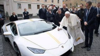 715 tys. EUR zapapieskie Lamborghini