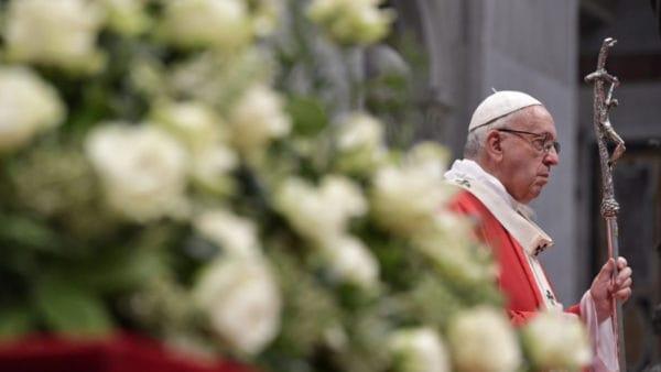 Papież modli się zaofiary zamachu nameczety wNowej Zelandii