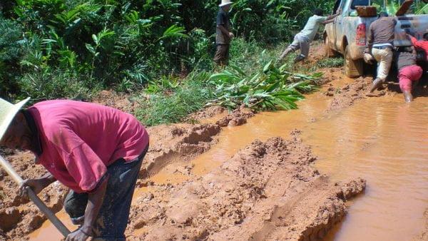 Caritas Polska i MIVA Polska kupiły sprzęt rolniczy dla wioski na Madagaskarze