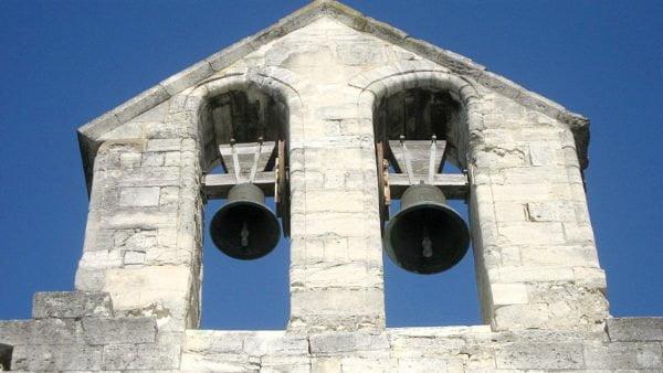 Dzwony wkatedrach Europy zabrzmiały wpołudnie dla Notre-Dame