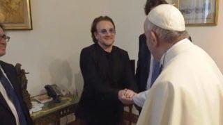 Franciszek spotkał się zBono zU2