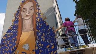 Mural wŁodzi: prezent naurodziny Maryi
