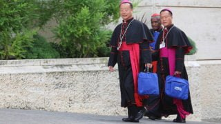 Biskupi chińscy koncelebrowali Mszę św.wparafii rzymskiej
