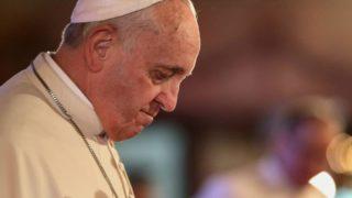 Papież przy grobach nienarodzonych dzieci