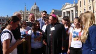 Młodzi zadają pytania ojcom synodalnym