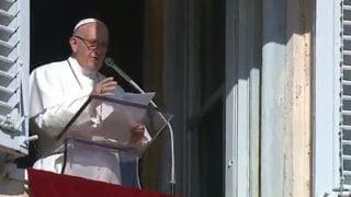 Papież modli się zaofiary ataku zRŚA