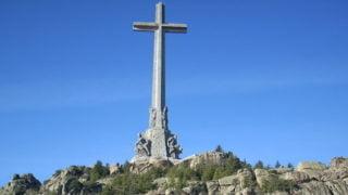 Masowe wizyty przy grobie Franco poakcie wandalizmu