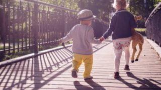 Jak uchronić dzieci przedzłymi decyzjami?