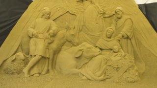 Tony piasku naPlacu św.Piotra. Powstaje szopka