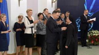 Siostra Michaela Rak odznaczona medalem odPrezydenta (krótka)