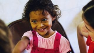 Pielgrzymi odwiedzili dzieci zubogich dzielnic