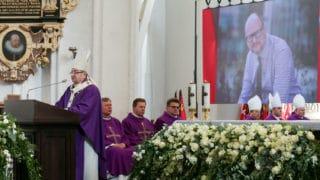 Abp Głódź: śmierć P.Adamowicza towezwanie dorachunku sumienia