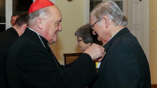 Jerzy iIrena Grzybowscy odebrali papieskie odznaczenia