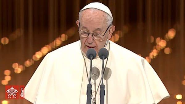 Franciszek wEmiratach: zadaniem religii jest budowanie braterstwa ipokoju