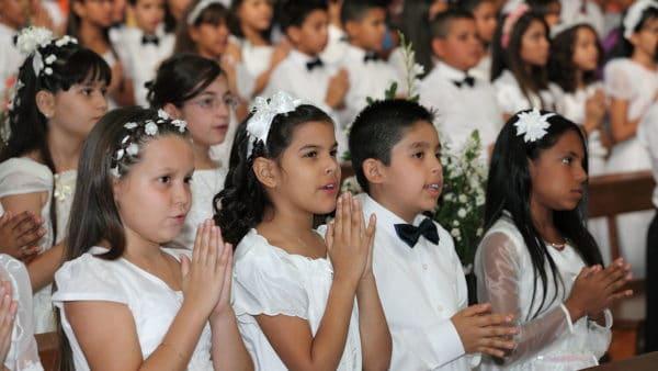 Bierzmowanie dla dzieci razem zPierwszą Komunią – zmiany wUSA