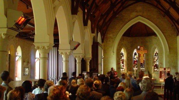 Papież aktualizuje konstytucję dotyczącą anglikańskich konwertytów