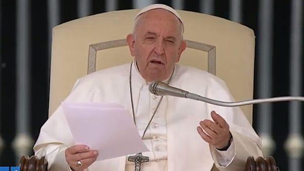 Papież: Jezus zastępuje prawo odwetu prawem miłości