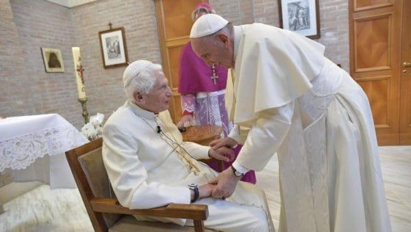 Papież senior Benedykt XVI kończy dziś 92 lata