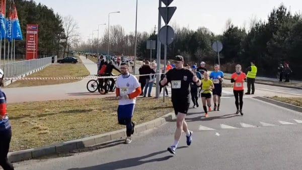 Biegli 22 km doPustego Grobu