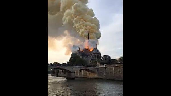 Pożar katedry Notre-Dame wParyżu