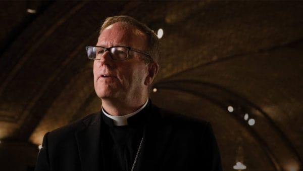 Dlaczego pozostać katolikiem? Vlog biskupa zUSA