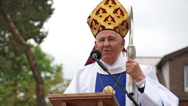 Biskup Romaniuk trafił doszpitala. Apel omodlitwę