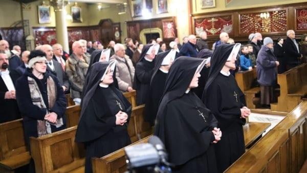 Wynagradzająca Koronka doBożego Miłosierdzia zaprofanację wizerunku Matki Bożej