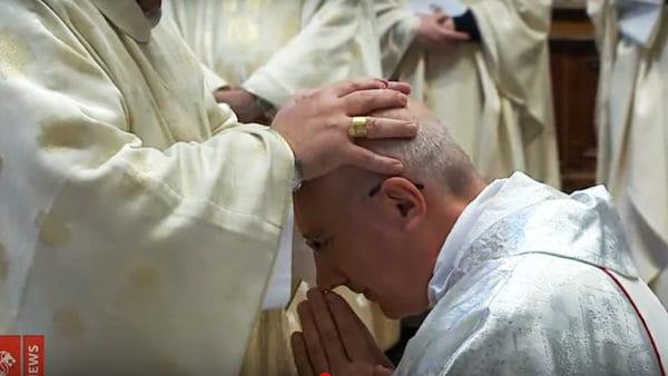 Pochodzący zPolski nowy nuncjusz Gwinei przyjął święcenia biskupie