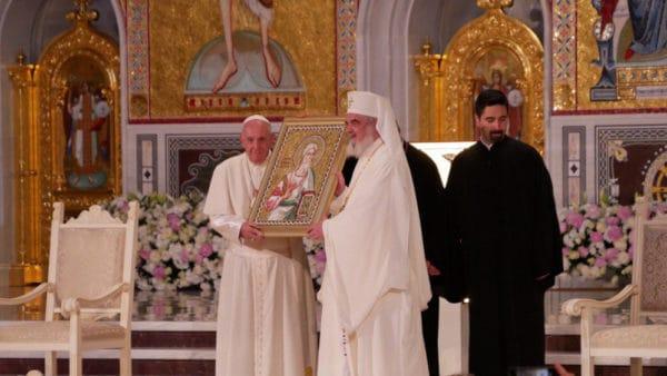 Podsumowanie papieskiej pielgrzymki doRumunii