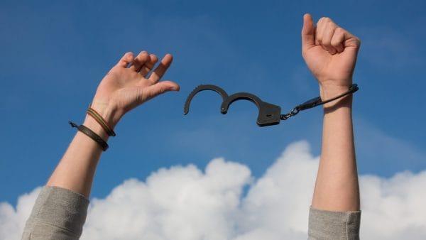 Wolni-Niewolni: kampania przeciw handlowi ludźmi wAfryce