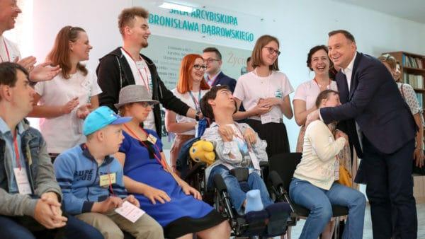 Prezydent Duda napikniku charytatywnym księży orionistów wBrańszczyku
